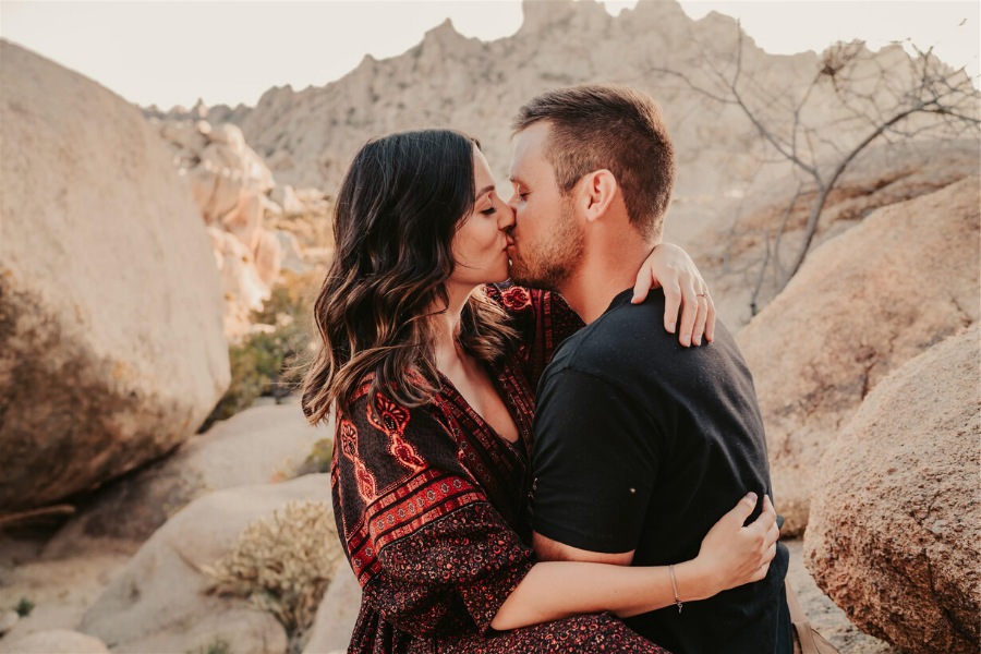 A Vegas Desert Engagement Shoot